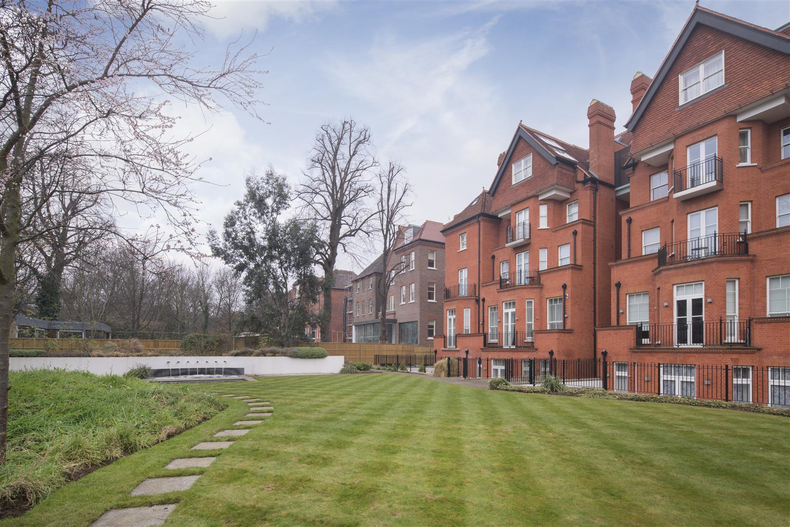 3 Bedrooms Flat for sale in de Lszl House, Fitzjohn's Avenue, Hampstead, NW3